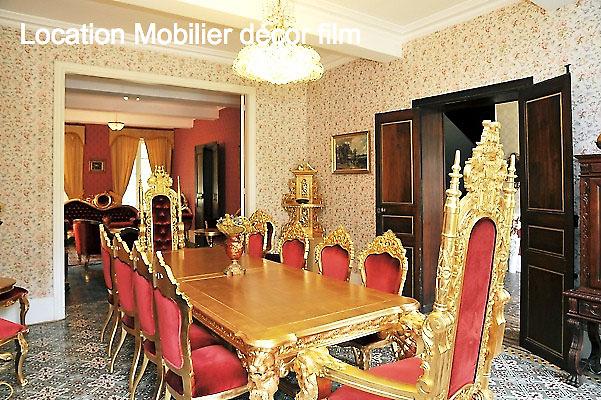 126 events - Location de mobilier baroque pour un décor de film