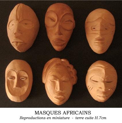 masque africain miniature