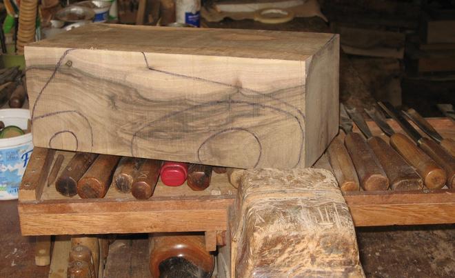Plan de voiture en bois de marcel coronel artiste for Objet de decoration en bois